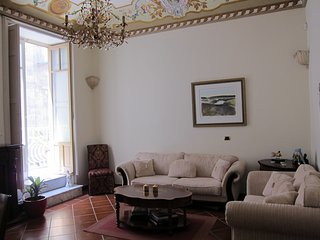 HISTORIC PALAZZO with courtyard in upscale neighbourhood: PALAZZO SPAGNA 1760 - Syracuse vacation rentals
