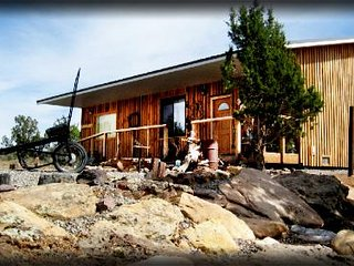 2 Bedroom Western style cabin with full kitchen, bath, & more! - Blanding vacation rentals