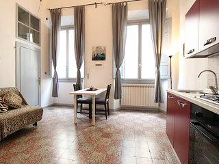 Lucy 1  Central Apartment - Florence vacation rentals