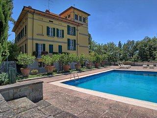 Perfect 7 bedroom Villa in Quarata - Quarata vacation rentals