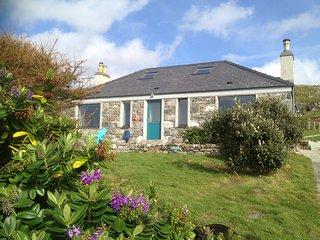 Sea View House, Isle of Harris, 5 star, Sauna/Double Jacuzzi/Sea Front/Beaches - Leverburgh vacation rentals