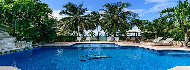 VILLA LAS UVAS- 5BR (7 BEDS) FOR 14 GUESTS - Cozumel vacation rentals