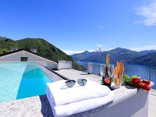 Charming 2 bedroom Menaggio Apartment with Internet Access - Menaggio vacation rentals