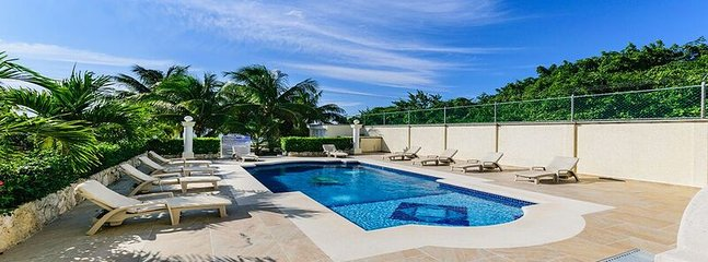1 BEDROOM OCEANFRONT- LAS UVAS CONDO - Cozumel vacation rentals