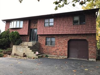 5 bedroom Private room with Internet Access in Commack - Commack vacation rentals
