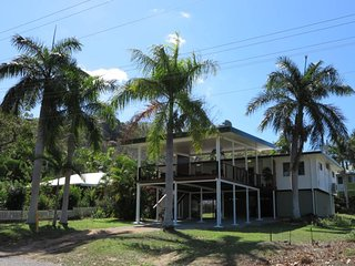 4 bedroom House with A/C in Picnic Bay - Picnic Bay vacation rentals