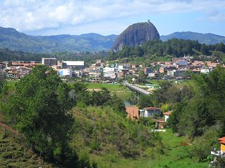 Nice 2 bedroom Guatape House with Internet Access - Guatape vacation rentals