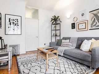 Super Soho Location - Super chic 2 bedroom flat! - London vacation rentals