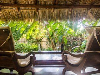 Honeymoon Bungalow in Banana Beach -- King-Sized Canopy Bed, Terrace, Pool, A/C - Santa Teresa vacation rentals