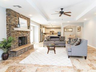 5 Star Vacation Home w/ Pool, Fireplace, Billiards - San Antonio vacation rentals