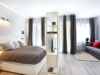 Urban District - MA31 Apartment with terrace (3BR) 3 - MID TERM RENTALS - Barcelona vacation rentals