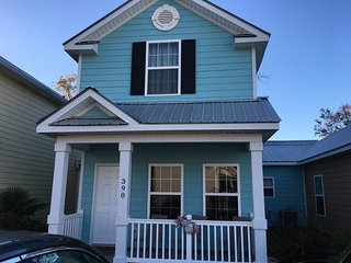 390 Snorkel, New 3-BR cottage, 1 block to Beach! - Myrtle Beach vacation rentals