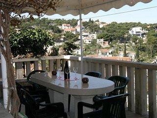 2 bedroom Apartment with A/C in Splitska - Splitska vacation rentals