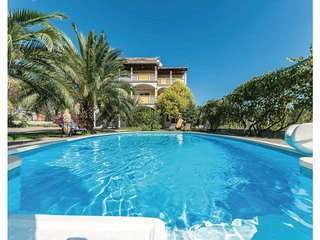 11 bedroom Villa in Biograd, Northern Dalmatia, Croatia : ref 2043911 - Turanj vacation rentals