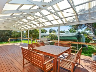 Lovely House with A/C and Television - Port Elliot vacation rentals