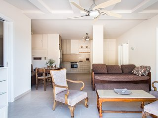 Seaside penthouse in cosmopolitan Loutraki - Loutraki vacation rentals