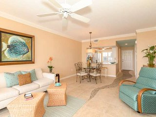 Penthouse Condo With Stunning Views, Desirable Hibiscus Pointe, South End Of Fort Myers Beach - Fort Myers Beach vacation rentals