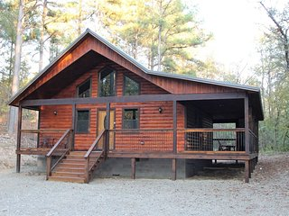 Creekside Chalet (Sleeps 2) No Pets - Oklahoma vacation rentals
