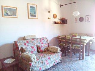 Accogliente bilocale in Val Brembana - Piazza Brembana vacation rentals