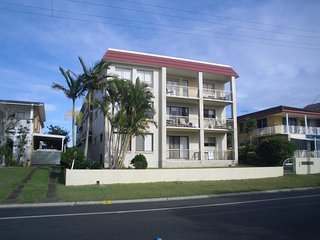 Enjoy the sea breezes from the balcony of 4/52 Boyd St - Bribie Island vacation rentals