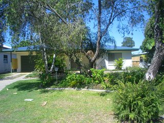 Lowset home with attached Granny Flat - 19 Doomba Dr - Bribie Island vacation rentals