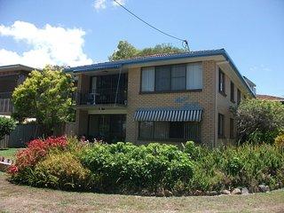 Light, Airy 1st Floor Unit - 2/2 Marbrin Close - Bribie Island vacation rentals