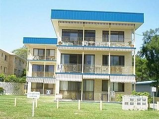 Cozy Apartment in Bribie Island with Balcony, sleeps 6 - Bribie Island vacation rentals