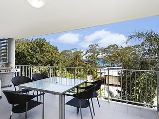 Stylish spacious unit with free Wi-Fi - 30/113 Welsby Parade - Bribie Island vacation rentals