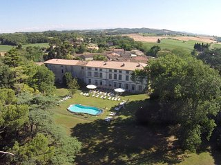 Perfect Chateau with Internet Access and Television - Gramazie vacation rentals