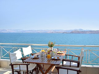 Holiday Waterfront Apartment, Amazing Sea View, close Nafplion, Kiveri village - Kiveri vacation rentals