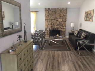 Stunning, Newly Remodeled, Pool-house (4 Bedroom And 2 Bath), 16 Miles To Disney - Diamond Bar vacation rentals