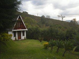 Chalé Mirante do Baú - Ao lado de Campos do Jordão - Sao Bento do Sapucai vacation rentals