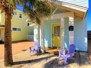 3 bedroom 3.5 bath home in Royal Palms! Just a short walk to the beach. - Port Aransas vacation rentals