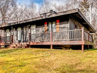 Cozy House with Deck and Internet Access - Mendon vacation rentals