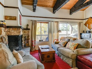 Cabin-style condo w/ shared pool & hot tub - less than a mile from Lake Tahoe! - Tahoe City vacation rentals