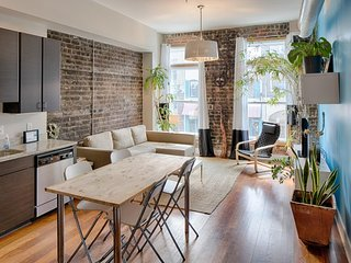 Eco-friendly chic condo in the heart of historic Savannah - walk to everything! - Savannah vacation rentals