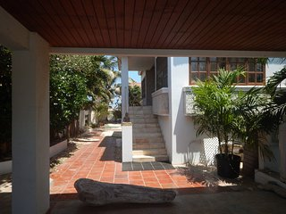 Nice Condo with Internet Access and A/C - Malmok Beach vacation rentals