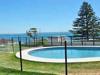 3 'Sundeck' 51 Ronald Avenue, Shoal Bay - Shoal Bay vacation rentals