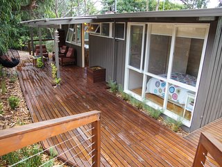Lovely 3 bedroom Anglesea House with A/C - Anglesea vacation rentals