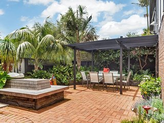 Mission Bay Three Bedroom Townhouse with Parking Close to Beach - St Heliers vacation rentals