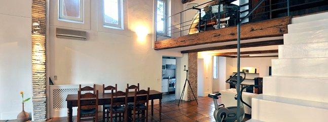 The Historic Nobleman's Loft - Image 1 - Roma - rentals