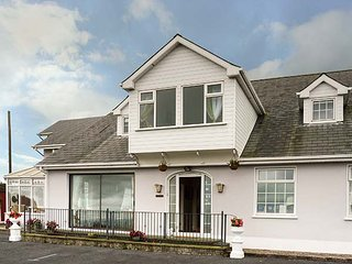 SEAVIEW HOUSE spacious detached house, en-suites, conservatory, WiFi, Dungarvan, Ref 947380 - Dungarvan vacation rentals