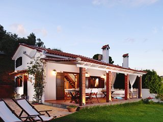 Beautiful 2 bedroom Skiathos Town Villa with Internet Access - Skiathos Town vacation rentals