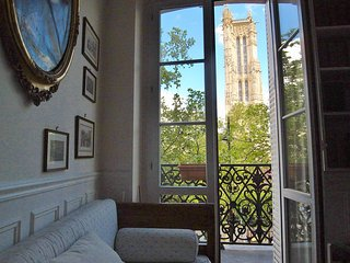 Real city center charming 2 bedrooms - Paris vacation rentals