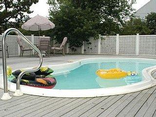 30 Yds to Beach, heated Pool, 6 bdrms, 5.5 baths, 2 sleep-dens, well-appointed - Fenwick Island vacation rentals