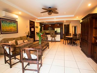 Family condo#4 with direct access to the pool - Jaco vacation rentals