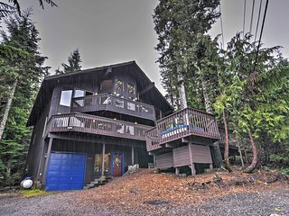 New! 6BR Mt. Hood Ski Lodge w/ Huge Hot Tub! - Government Camp vacation rentals