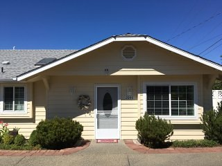 Nice 2 bedroom Cottage in Grants Pass - Grants Pass vacation rentals