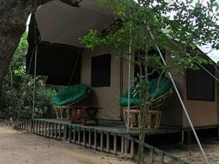 Bright 2 bedroom Tented camp in Yodakandiya with Parking - Yodakandiya vacation rentals