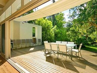 Bright 4 bedroom House in Pearl Beach - Pearl Beach vacation rentals